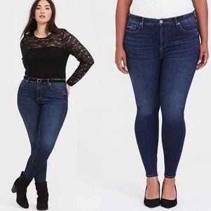 Torrid Sky High Skinny Stretch Dark Wash Jeans 18